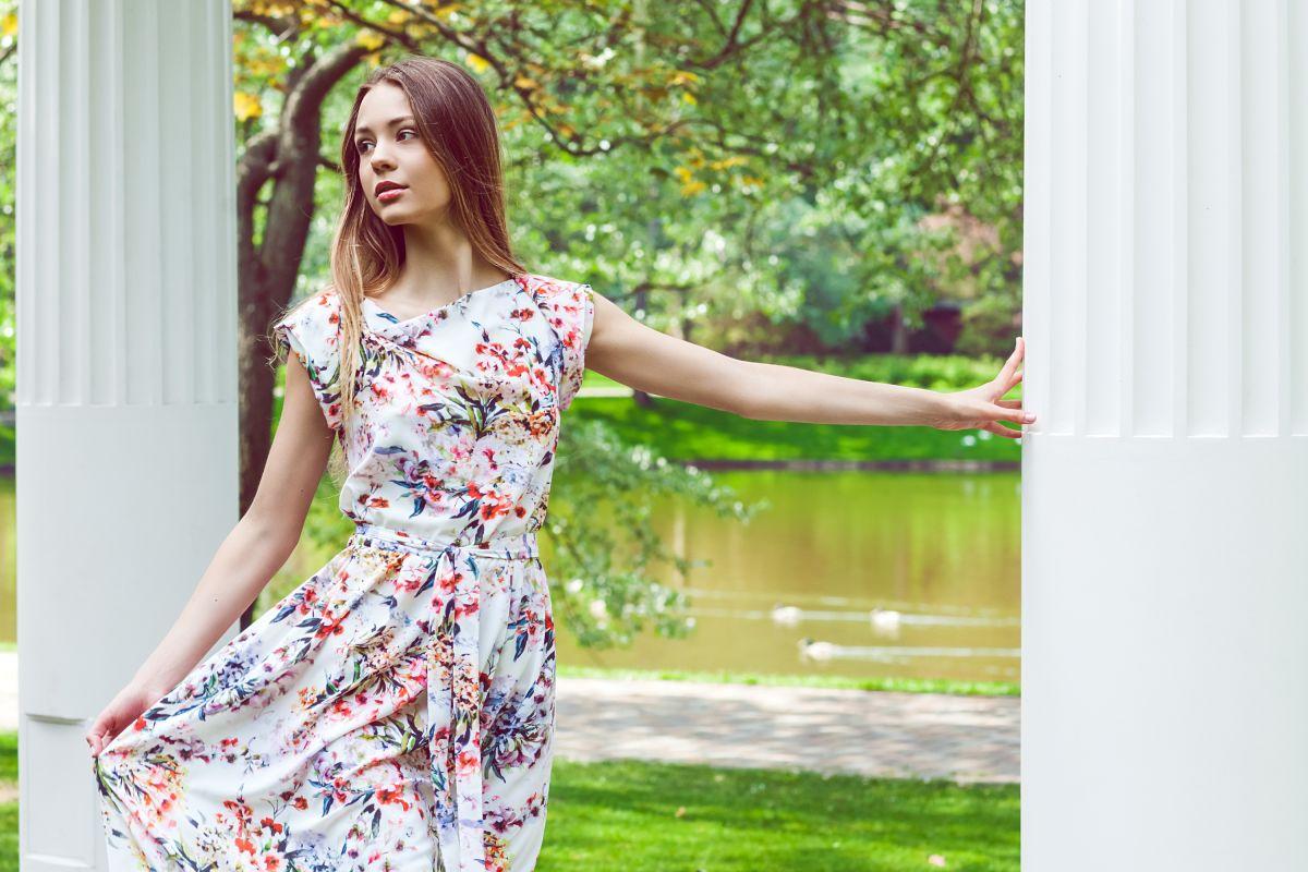 У полоні квітів  нова літня колекція від CAT ORANGE - CAT ORANGE Інтернет  магазин жіночого одягу в Україні. Модний жіночий одяг від виробника. fe23dc0297f3d
